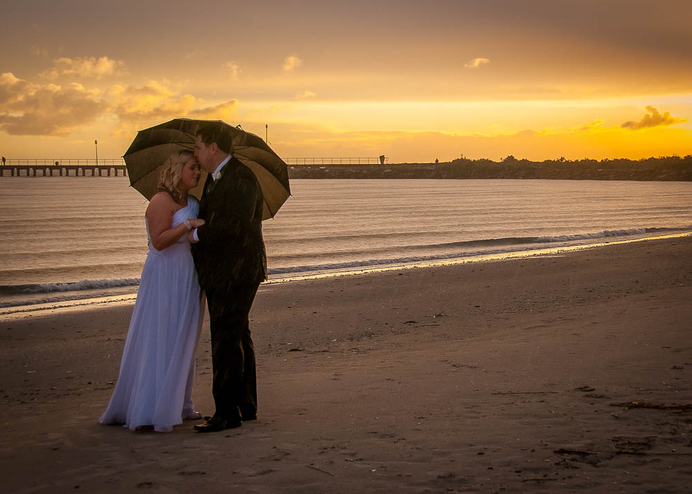 Sunset photos at the beach in Melbourne, by Millgrove Photography