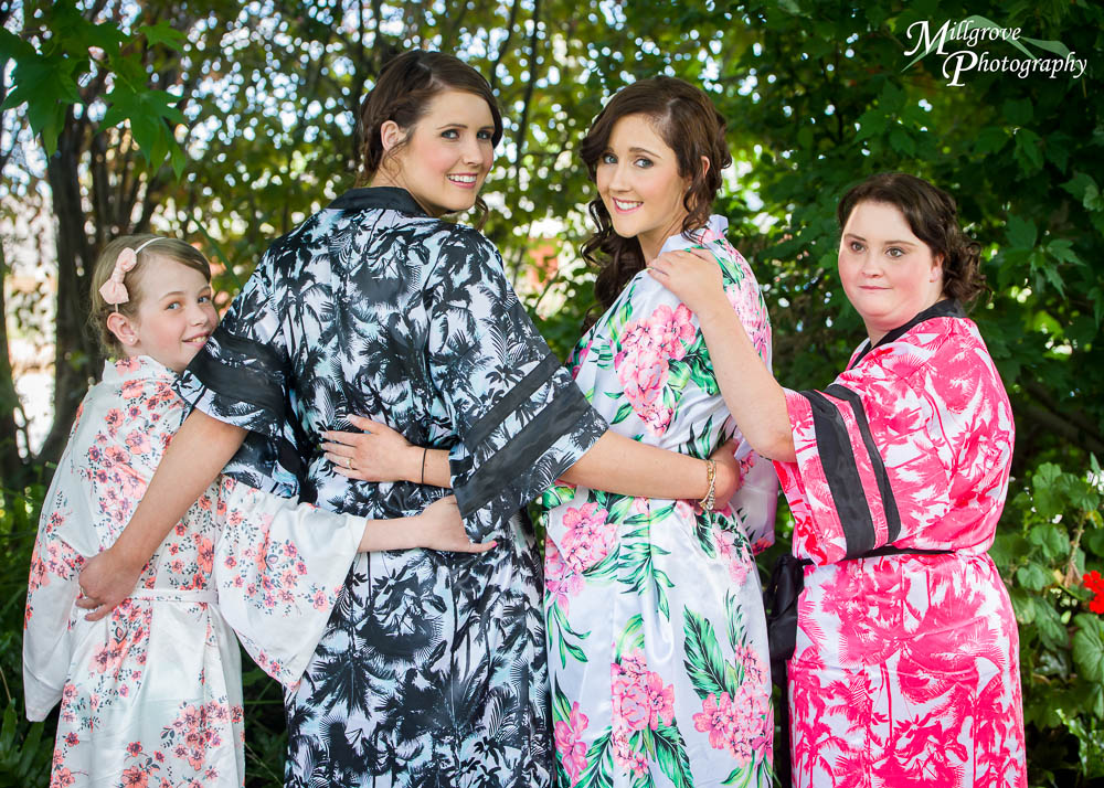 Bride Rachel and her bridesmaids in their kimonos