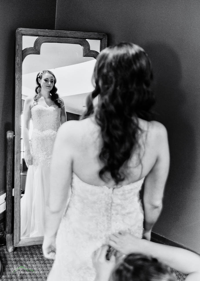 Bride in the mirror, black and white