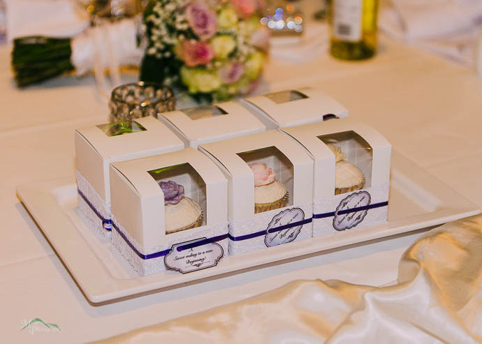 Wedding cupcakes in boxes