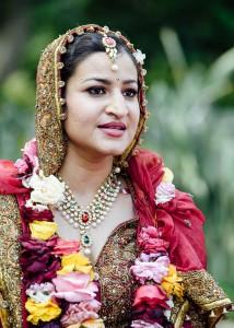 27-closeup-bride-speech-pakistan-headpiece