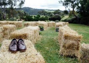 1-hay-bales-wedding-yarra-valley