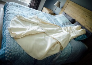 3-bridal-dress-on-bed