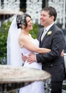 bride-groom-laughing-ballara-fountain