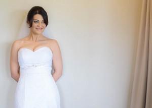 bride-white-wall