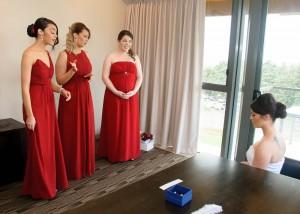 bridesmaids-helping-bride-balgownie-2